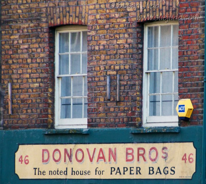 Donovan Brothers, paper bags