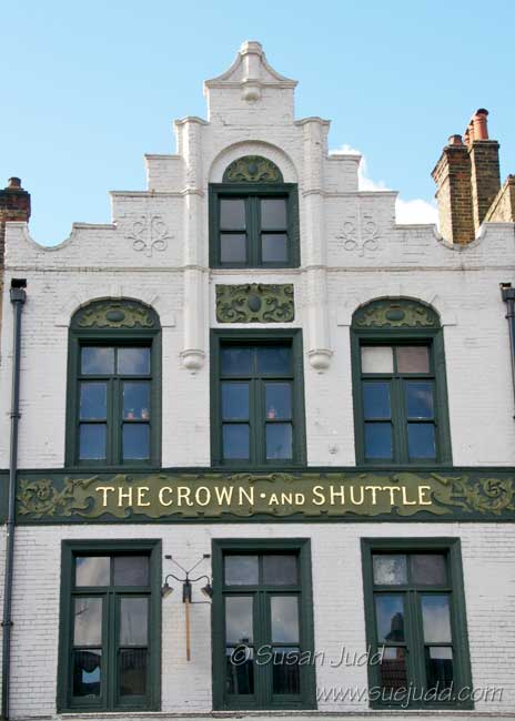 Crown and Shuttle