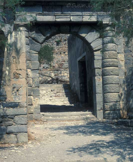 Entrance arch, Spinalonga