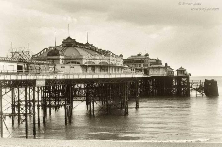 SJudd_Ruins_BrightonPier_1982_-063---Version-4SilvEf