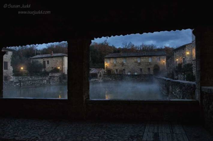 Dawn breaks at Bagno Vignoni