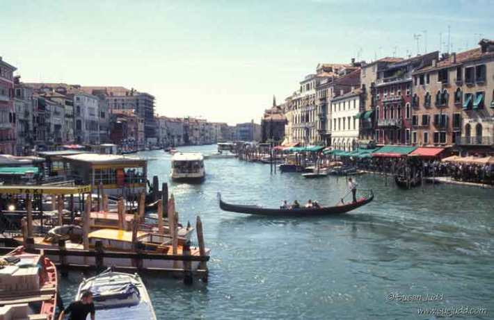 Grand canal, complete with vaporetto and gondola