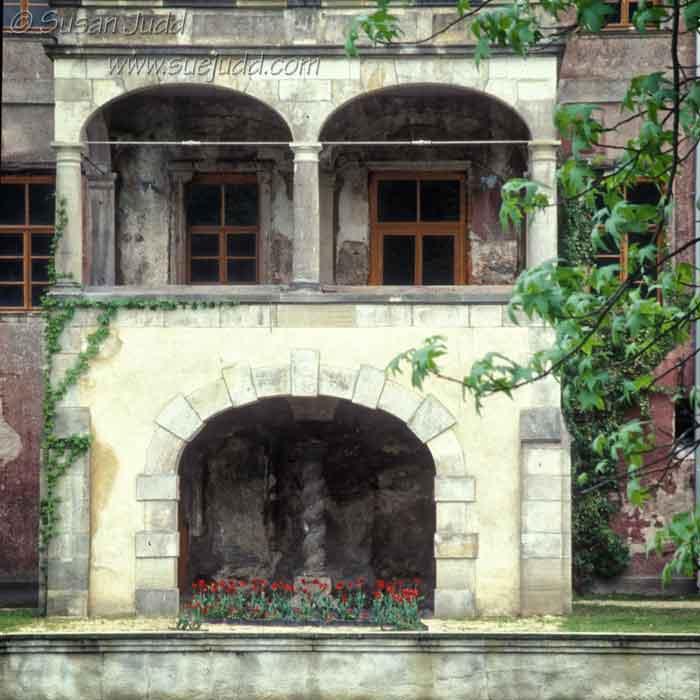 sjudd_ruins_muskauerpark_200105_03-version-4