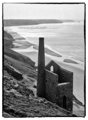 Chapel Porth, engine house of Wheal Coates